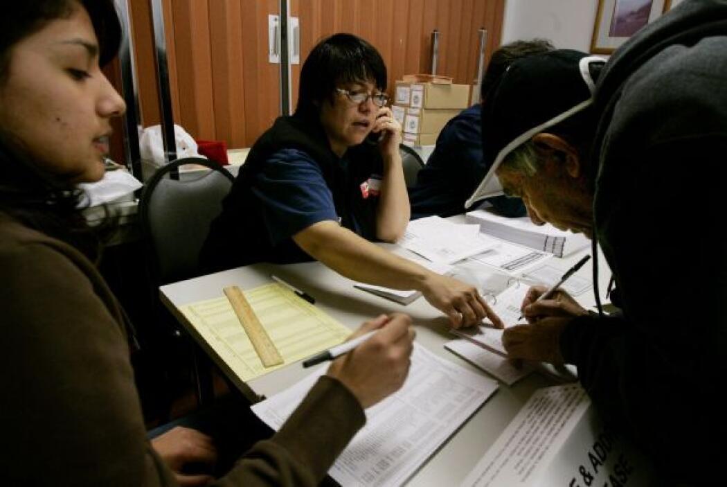 El 20% de los hispanos mayores de 18 años habla solamente inglés en casa...