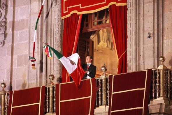 ¡Viva la Independencia nacional! ¡Viva México, viva México, viva México!