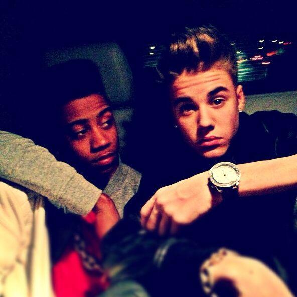 Por otro lado, el portal tiempo.hn expuso que Justin Bieber y Lil Twist...