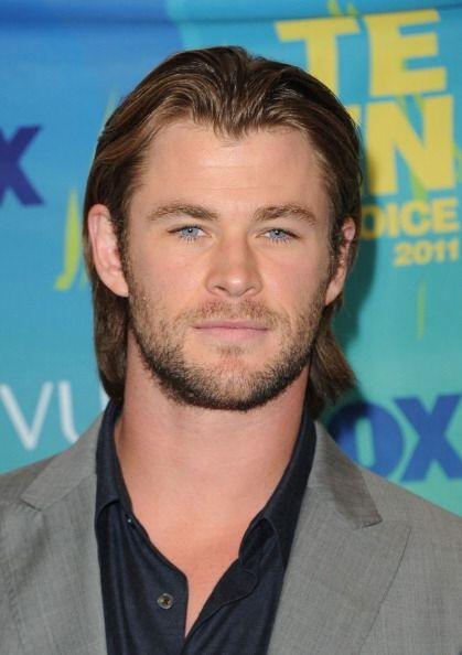 Otro bombón que tiene bien cuidadito su cabello es Chris Hemsworth, sin...