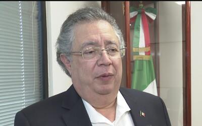 Ante posibles deportaciones, consulado de México recomienda poner docume...