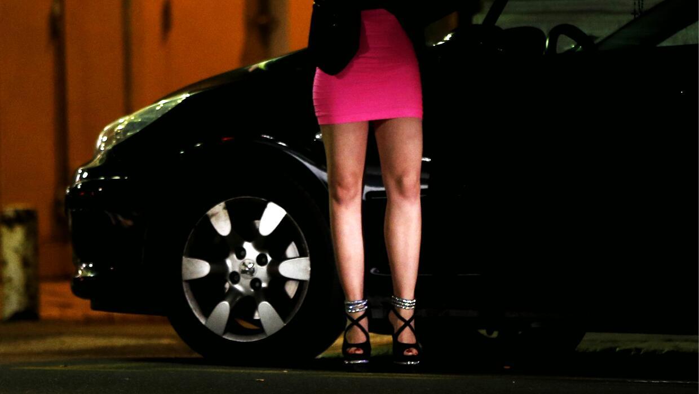 Quienes busquen servicios de prostitutas podrían quedarse sin vehículo.