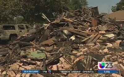 Casa explotó en Oak Cliff