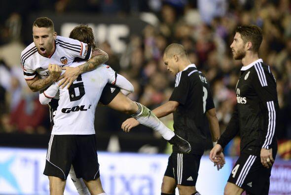 Al minuto 52 Antonio Barragán empataría los cartones con una buena defin...