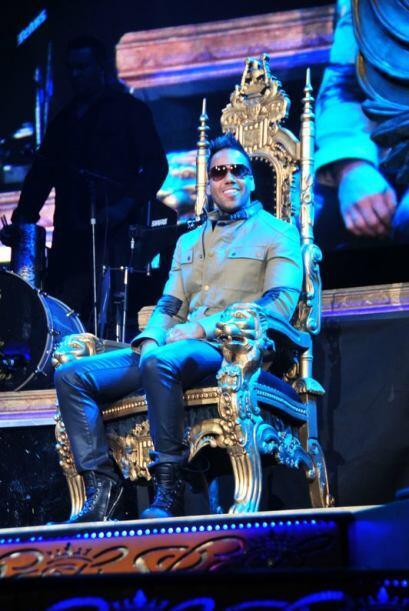 El King of Bachata enloqueció a los fans que se dieron cita en el...