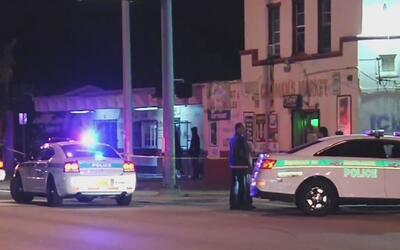 Dos hispanos heridos de bala fueron trasladados al Hospital Jackson Memo...