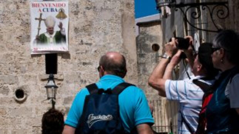 Cuba se prepara para la visita del papa Benedicto XVI.