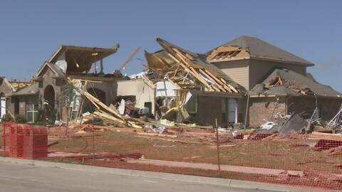 Fuertes vientos destruyeron más de una docena de casas en Rockwall