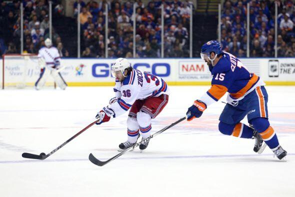 """Rangers vs Islanders (NHL). Conocida como la """"Batalla de Nueva York"""" tuv..."""