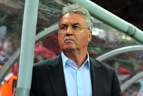 Misma cantidad se mete el holandés Guud Hiddink, Dt del Anzhi Makhachkal...