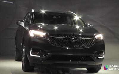Video: Una de las utilitarias más populares, la Buick Enclave 2018 apare...