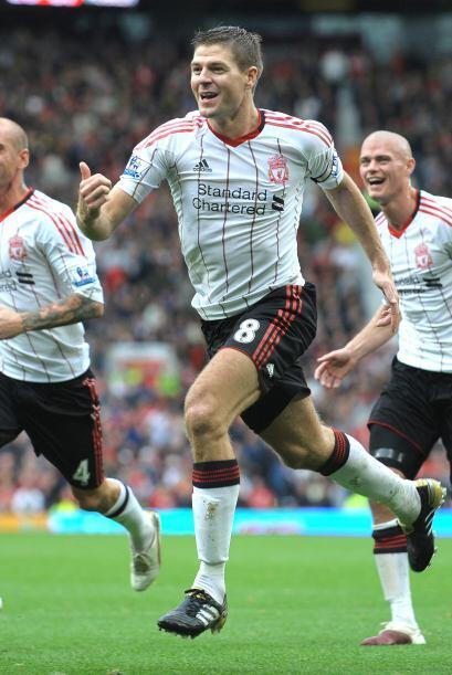 'Stevie G' convirtió el primer gol de su equipo con un penalti.