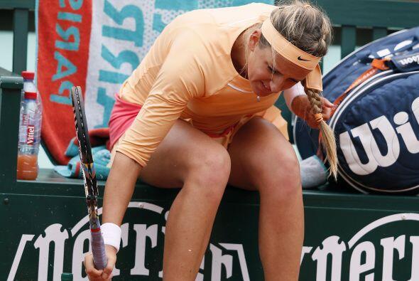 Mientras que la campeona del Abierto de Australia, Azarenka, partió su r...