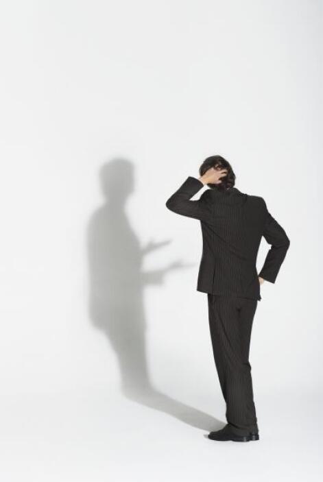 La segunda razón es el miedo a la crítica y al fracaso. Esto se presenta...