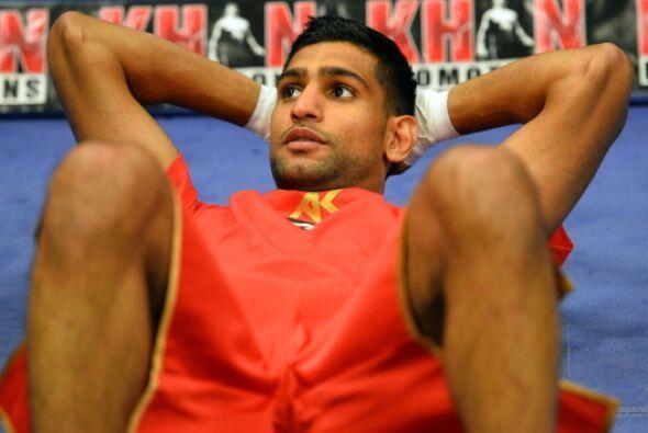 Khan fue considerado uno de los mejores boxeadores del mundo, después de...