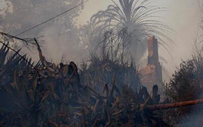 Tormentas ayudaron a apagar los severos incendios en California