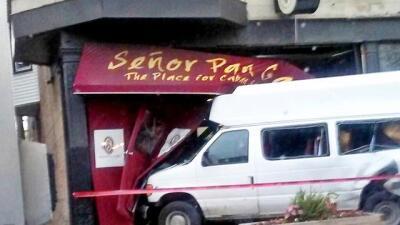Choque contra restaurante Señor Pan