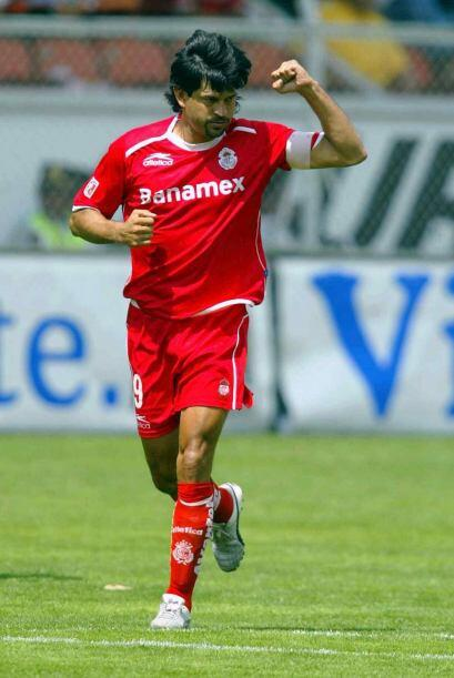 El paraguayo dijo adiós al final del Clausura 2005, acusando a Le...