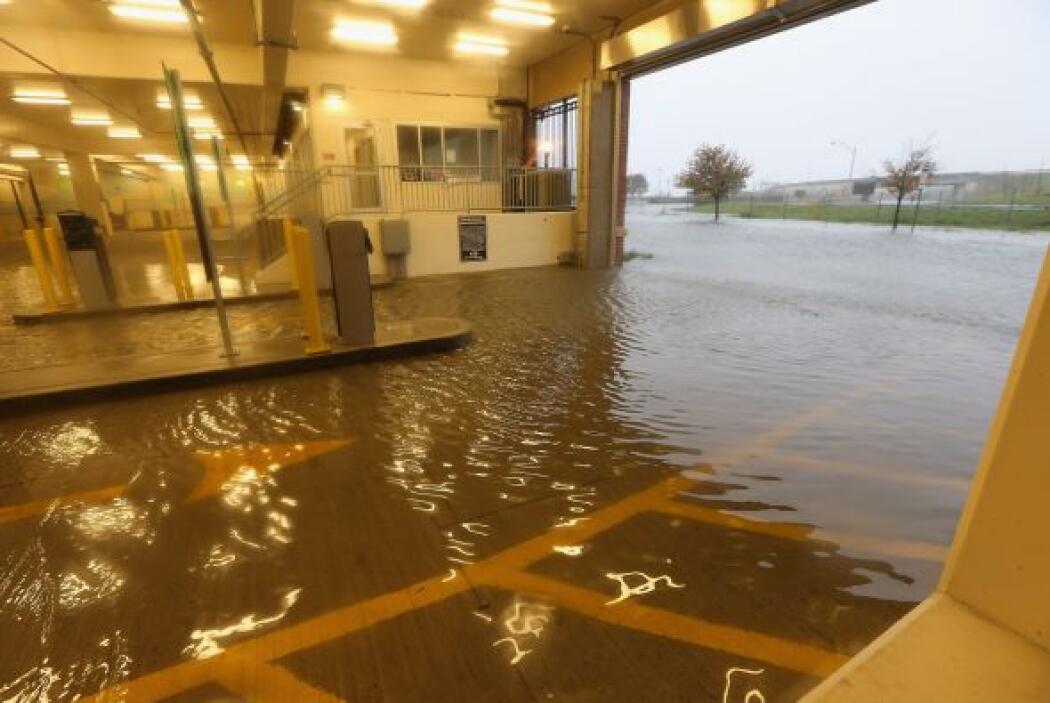 Garaje inundado en Nueva Jersey debido al Huracán Sandy.