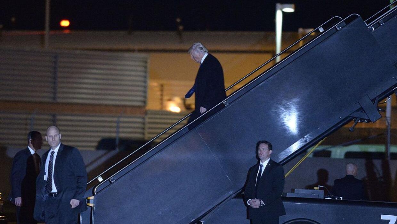Trump viajó por unas horas a Washington DC para participar en un par de...