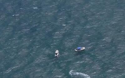 Dos personas murieron luego de que una embarcación se hundiera cerca de...