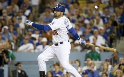 González impulsó dos carreras en triunfo de Dodgers