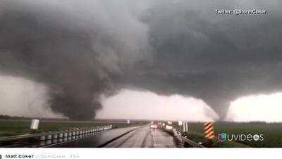 ¡Dos tornados tocan tierra al mismo tiempo!