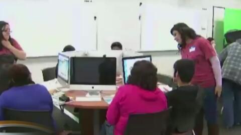 Consulado de México en Los Ángeles ofrece asistencia para solicitud de F...