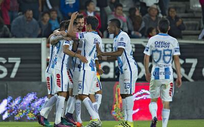 Pachuca dominó a Santos en el Hidalgo