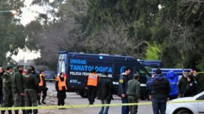 Un hombre mató a su expareja y a la hija de ella luego de tomarlas como...