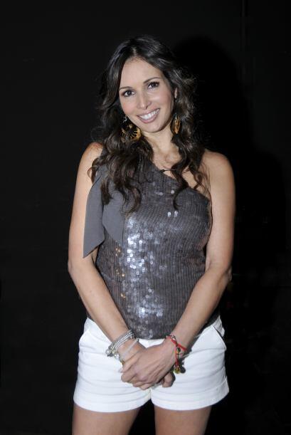 A los 14 años hizo su primera aparición en la telenovela, 'El ídolo'.