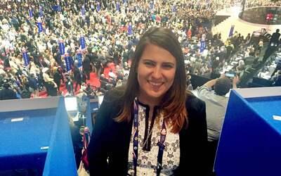 Fernández asiste por primera vez a una convención republicana como delegada