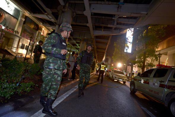 Fuerte presencia militar en los alrededores del templo.