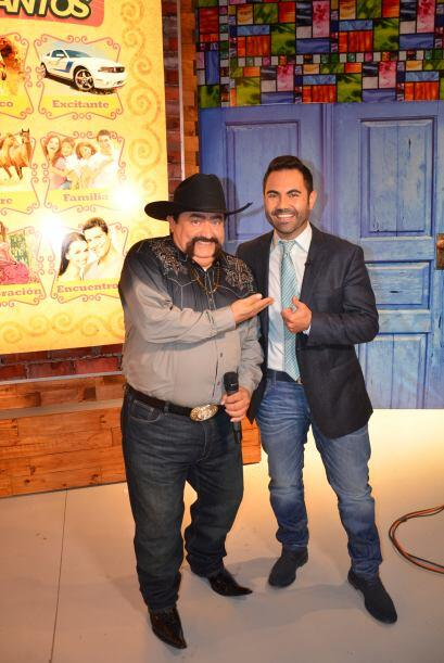 Junto a Enrique se encuentra el mejor presentador de la televisió...