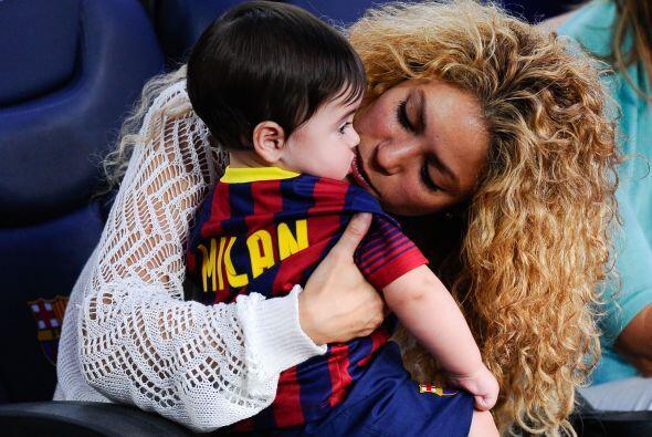 Milan y Shakira acudieron al estadio del Barça para seguir la actuación...