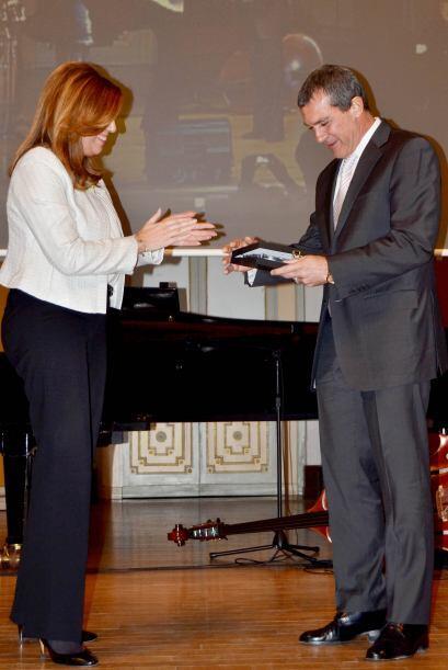 """Banderas recibió el premio """"Malagueños de hoy""""."""