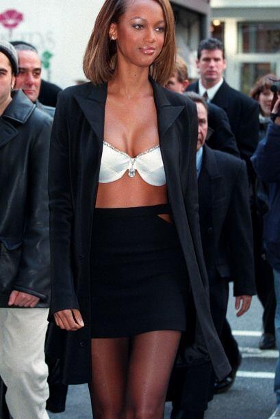 Finalmente tenemos a Tyra Banks, quien fue elegida en 1997 para usar el...