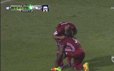 Goooolll!!! Error de Miguel Estuardo González Tinay que mete el balón en...