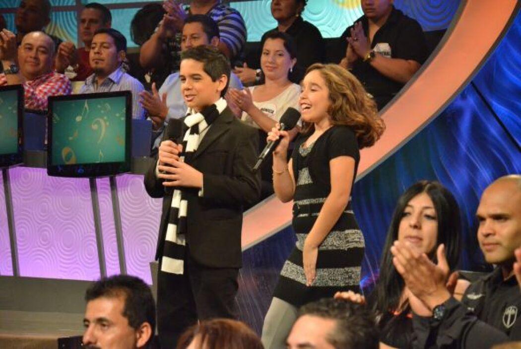 Braulio y Joselyn, nuestros presentadores gigantes, cada vez más acoplad...