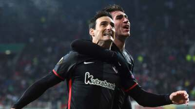 Athletic golea al Eibar, doblete de Aduriz