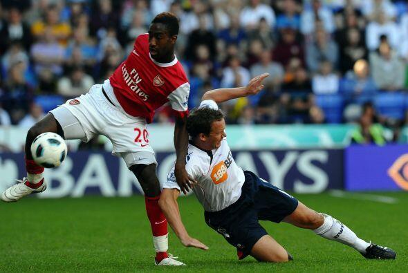 Con este resultado, Arsenal intentaba de toda forma dar vuelta al marcador.
