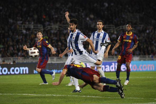 Gabriel Milito convirtió un gol de cabeza pero fue anulado por estar en...