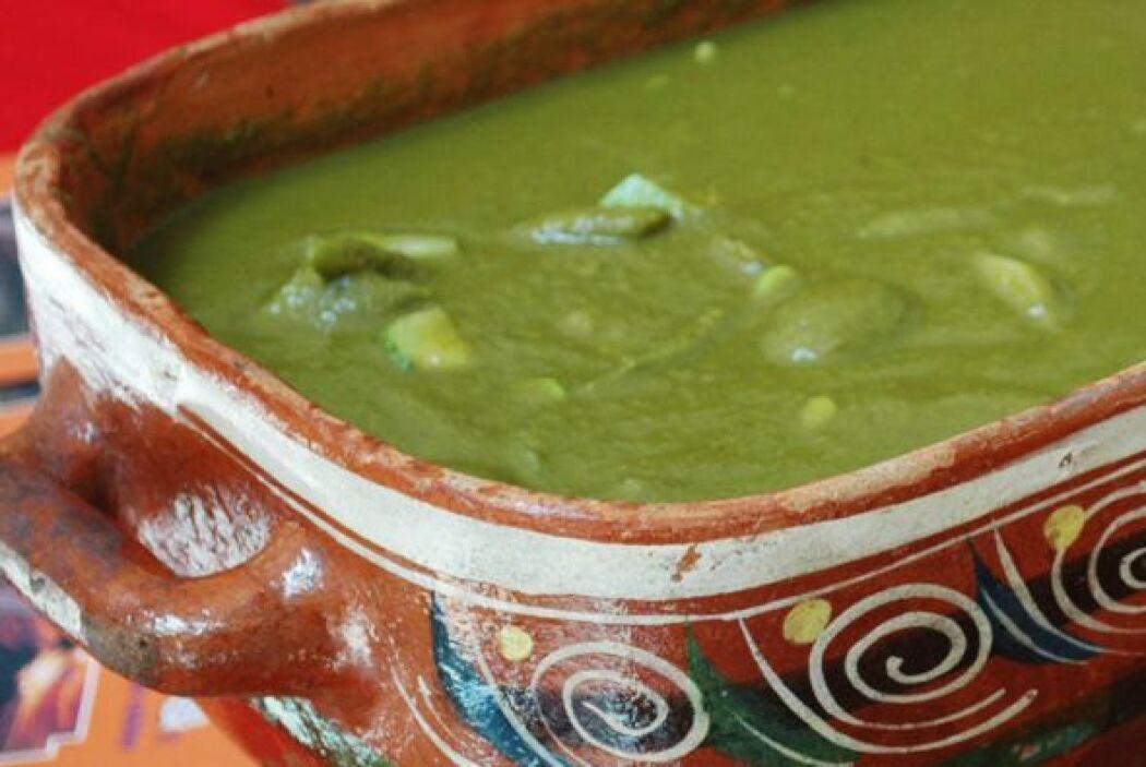 Mole verde con verduras: Este plato genuinamente prehispánico está hecho...