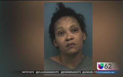 Arrestan a una mujer por abandonar a sus hijos en una calle transitada d...