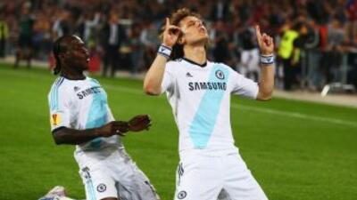 El gol de David Luiz, de tiro libre, le devolvió la ventaja a los 'Blues...