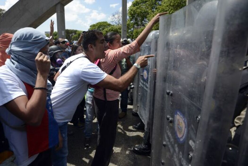 El enfrentamiento se registró en una zona comercial del este de Caracas...