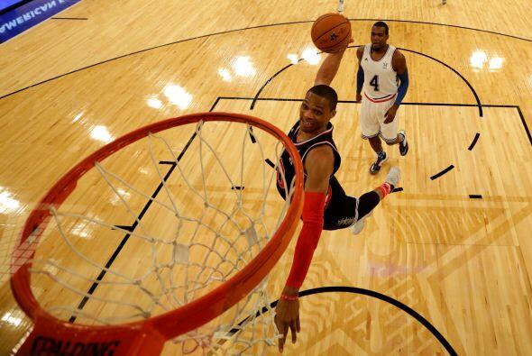 Westbrook ha llevado a su equipo a ser victorioso. Sus números asombroso...