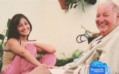 Entre risas y lágrimas, Karla Monroig recuera a su héroe