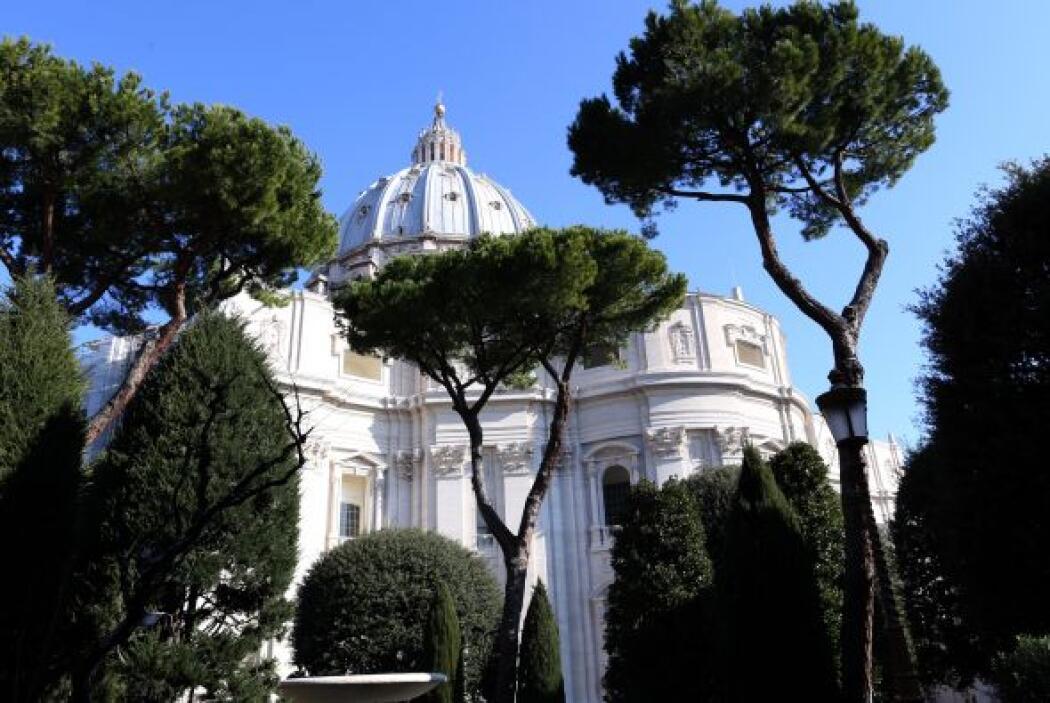 6. ¿Dónde vivirá Benedicto XVI después de su retiro como Papa? Inicialme...
