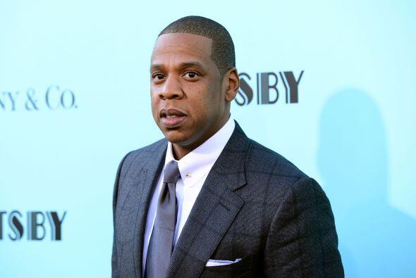 32. Jay-Z  Ganancias netas: $42 millones.  Presencia en radio y tv: 3  P...